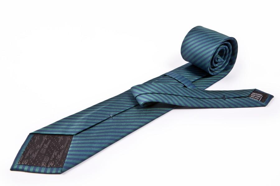 Cravatta verde rigata